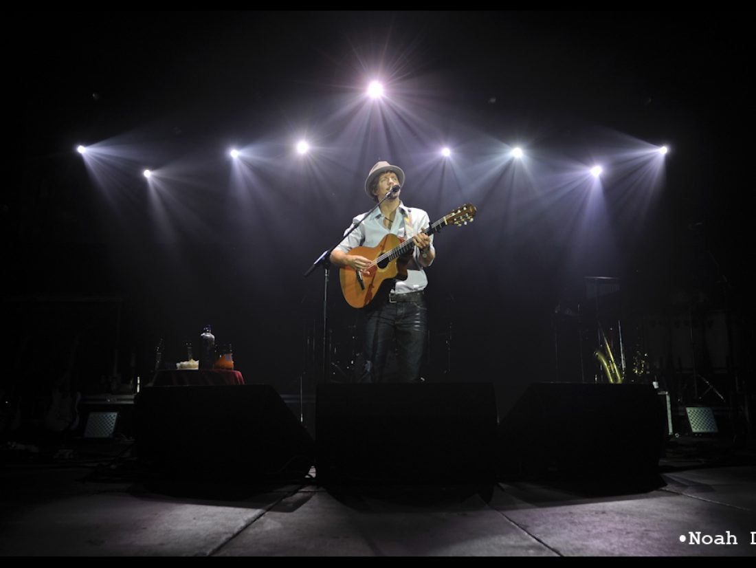 Jason Mraz touches Harding University…